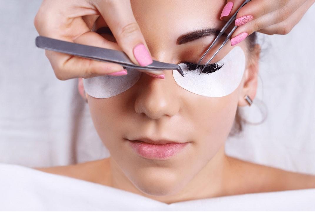 Boca Raton Classic Eyelash Extension Training by Pearl Lash